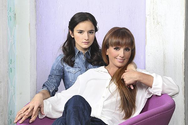 Жена Егора Вероника со старшей дочерью – 17-летней Александрой