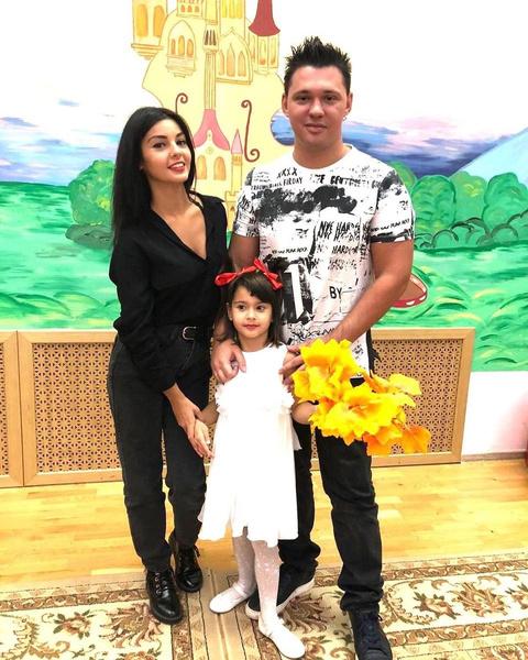 Алексей уверяет: у него только один ребенок — дочь от Розалии
