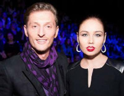 Павел Воля преподает жене русский язык