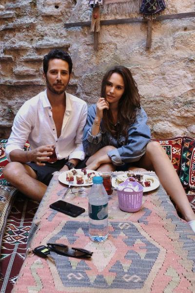 Актер турецких сериалов женится на модели из России