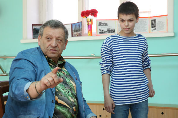 Борис Грачевский проверил артистические способности воспитанника детского дома. Теперь Вова Любимов ждет лета, чтобы прилететь в Москву на съемки