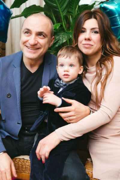 Михаил Турецкий с дочкой и внуком