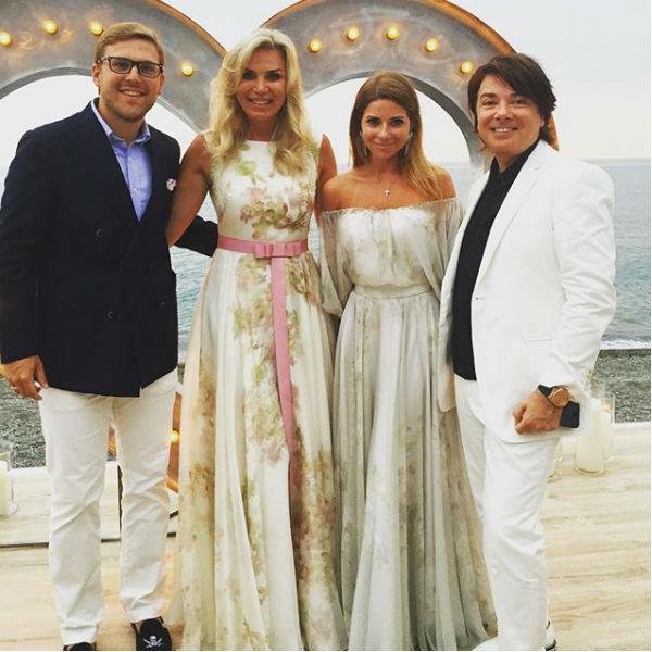 Валентин и Марина Юдашкины с дочерью Галиной и ее мужем Петром