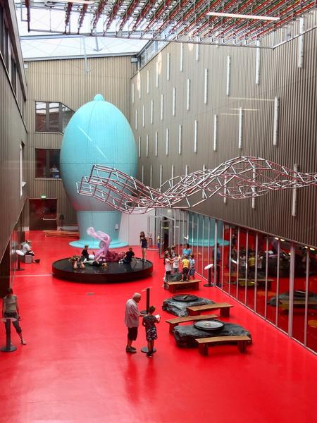 Размеры и возможности научного музея поражают
