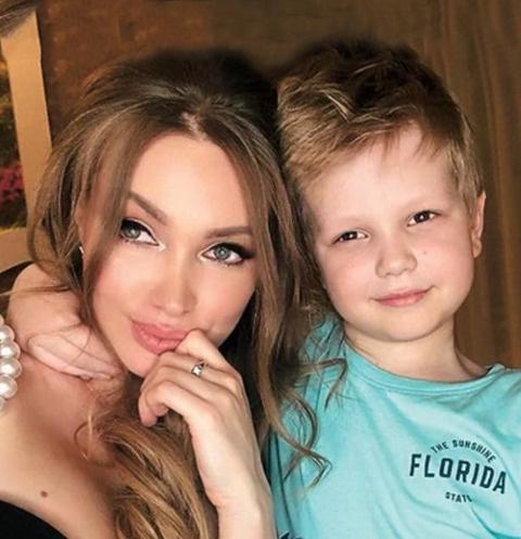 Евгения Феофилактова с сыном Даниэлем