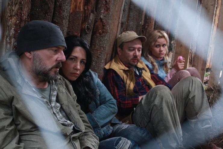 Три официальных и 28 незаконных. Женщины не уберегли Алексея Нилова от алкоголя и клинической смерти