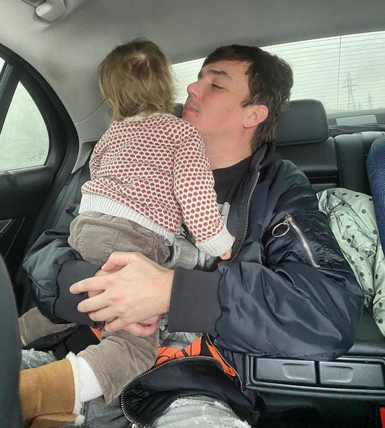 Евгений Кузин часто видится с дочкой