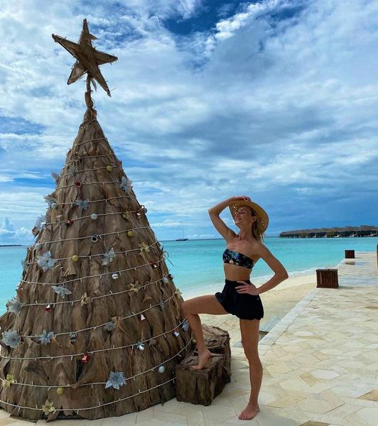 Разведенка на отдыхе: Полина Гагарина и ее мальдивские «луки»