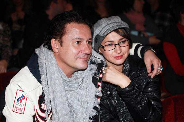 Молоадя жена Меньшикова говорит, что с трудом привыкла называть своего мужа на «ты»