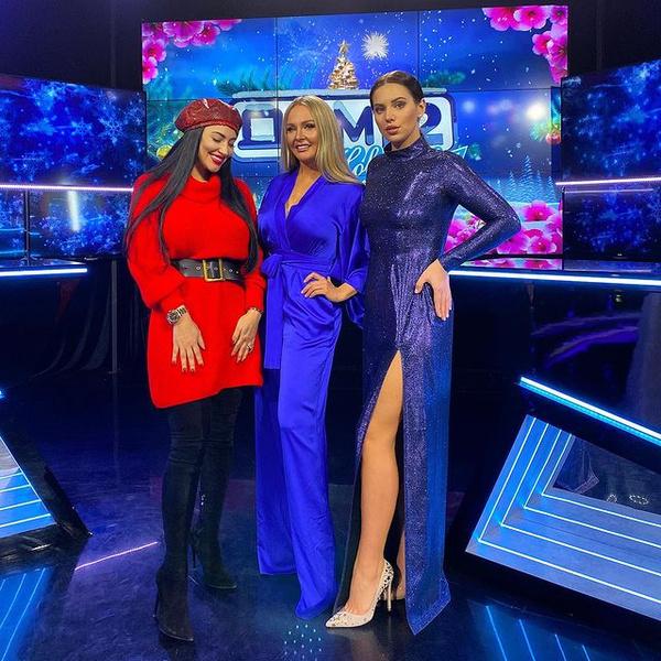 Вика Берникова, Даша Пынзарь и Саша Артемова