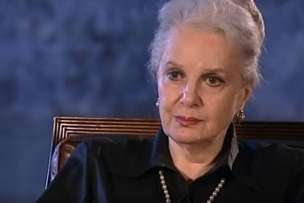 Элина Быстрицкая надеется, что полностью восстановится к сентябрю