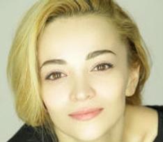 Теона Дольникова рассказала, как родила раньше срока