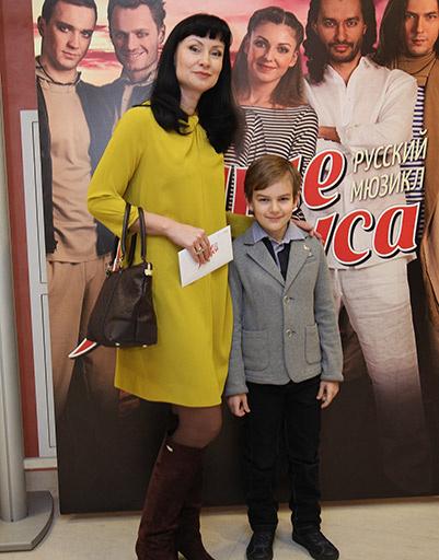 Нонна Гришаева с сыном
