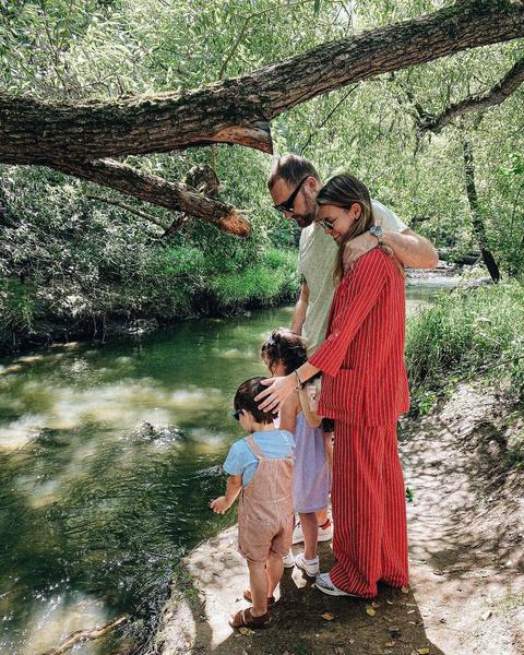 Супруги воспитывают сына и дочь