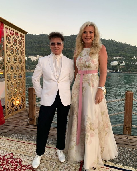 Валентин Юдашкин с супругой