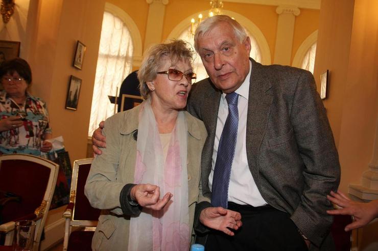 Алиса Фрейндлих и Олег Басилашвили дружат много лет