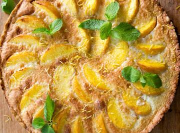 Пирог с персиками