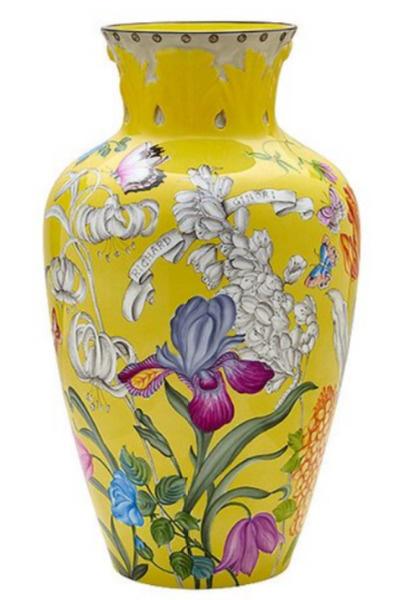 Фарфоровая ваза за 395 тысяч рублей