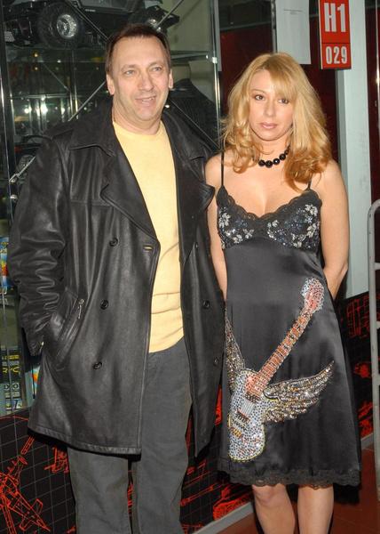 Апина и Иратов развелись в 2017 году