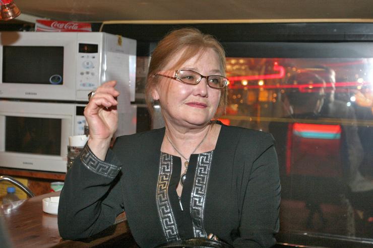 После гибели Макарова Жанна Прохоренко замкнулась в себе и только самым близким говорила, что ее любовь с Артуром словно кто-то проклял