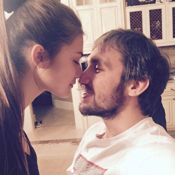 Шубская призналась, что надеется прожить с Овечкиным много счастливых лет