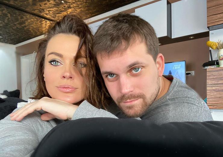 Сначала Татьяна и Олег скрывали свои отношения