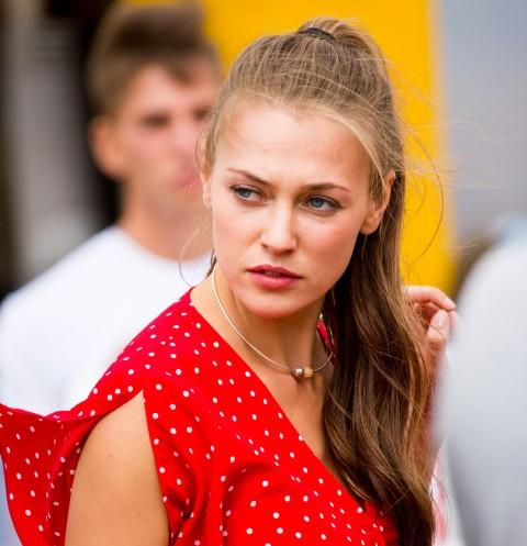 Александра Никифорова попала в больницу после съемок в сериале «Давай найдем друг друга»