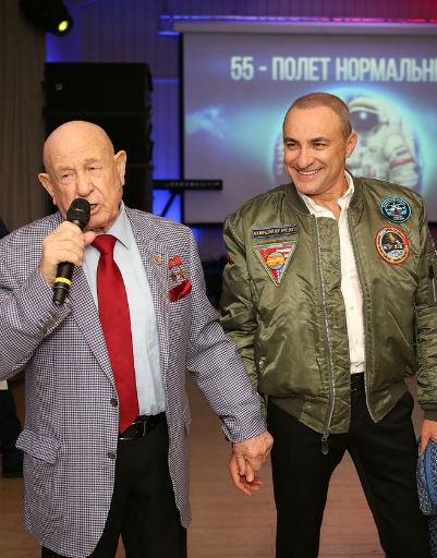 Михаила Турецкого пришел поздравить космонавт Алексей Леонов