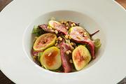 Салат из утиной грудки с инжиром