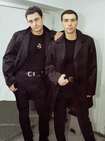 Артисты начали выступать вместе в 1994 году