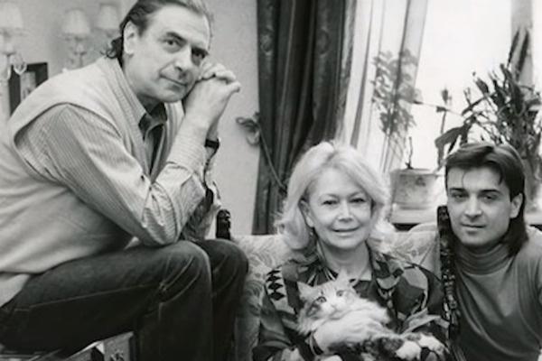 После смерти мужа актриса оставила в кабинете все, как было при нем