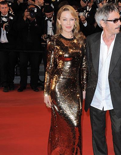 Кайли Миноуг в золотом блистала в Каннах в 2012 году