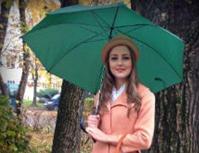 Анна Михайловская примерила нежный осенний образ
