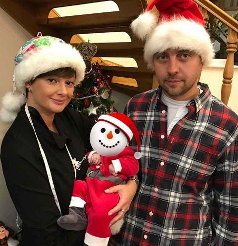 Виктория Талышинская с семьей