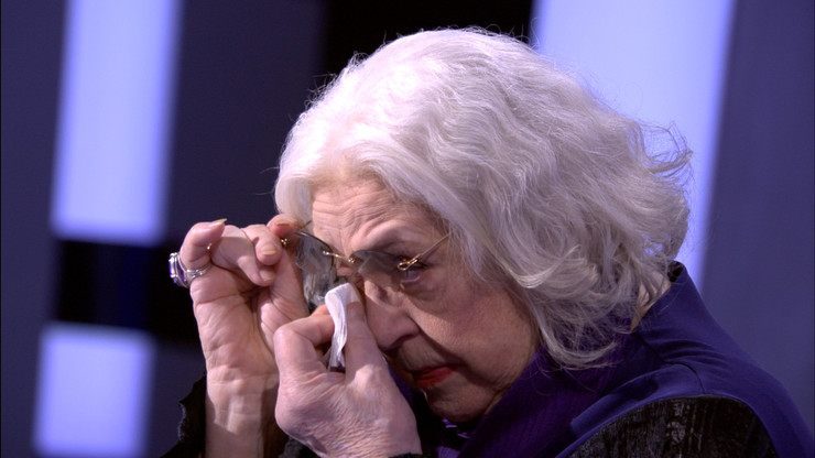 Отвечая на один из вопросов, Лидия Николаевна не могла сдержать слез