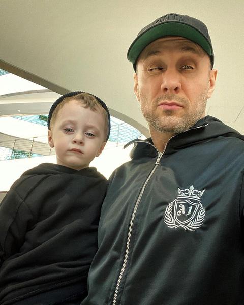 Спортсмен поделился совместным снимком с наследником