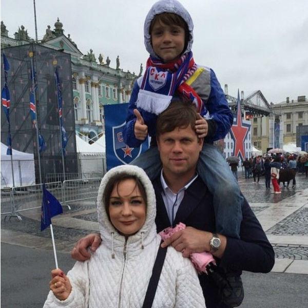 Татьяна Буланова с Владиславом Радимовым и сыном Никитой