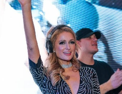Пэрис Хилтон оторвалась на вечеринке в Москве вместе с российскими знаменитостями