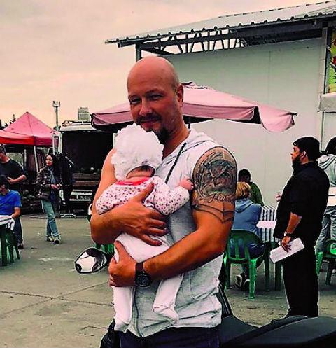 Никита Панфилов крестил новорожденную дочь