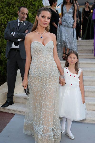 Боня покинула Монако вместе с дочерью