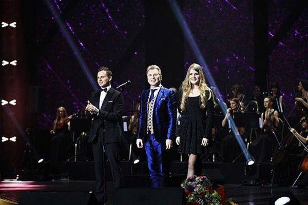 Никита часто выступает с отцом и сестрой на одной сцене