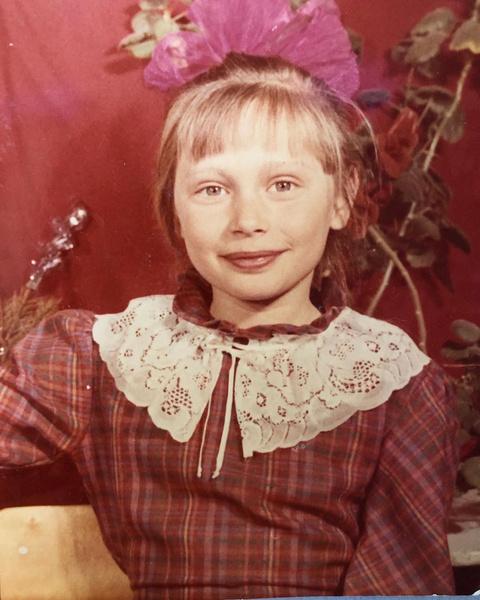 Так будущая актриса выглядела в школе