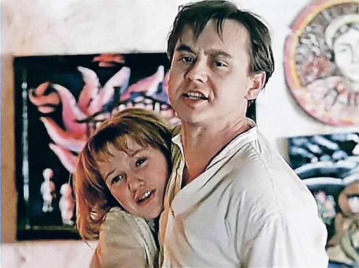Вместе актеры снимались в картине «Гори, гори, моя звезда»