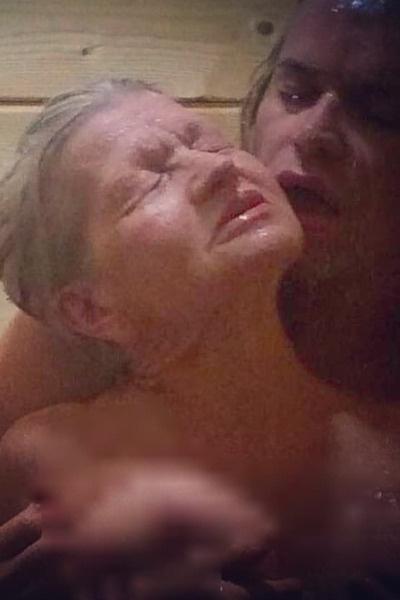 Гоген и его жена не стесняются показывать публике интимную жизнь