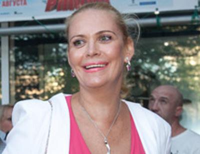 Алена Яковлева встречается с мужчиной на 30 лет моложе