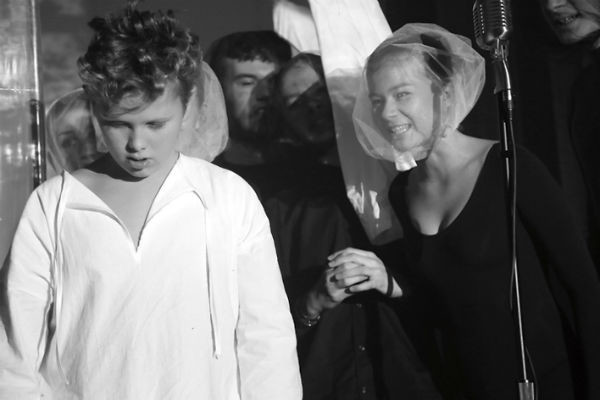 Ваня сыграл Оскара Уайльда в учебном театре Ломоносовской школы еще до поступления