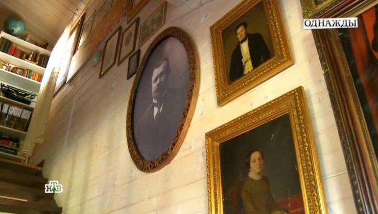 Портреты предков украсили жилище Дуровых