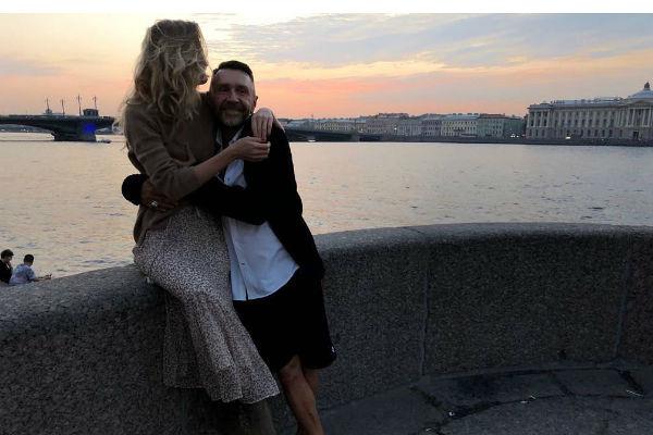Сергей Шнуров женился на Ольге Абрамовой
