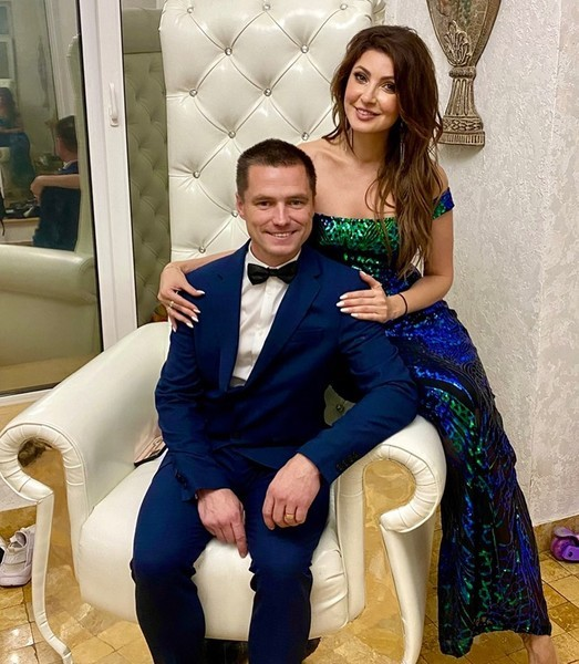 Анастасия Макеева с женихом