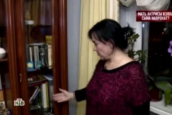 Ирина показала комнату, в которой жил ее приемный сын